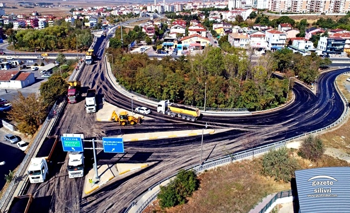 BÖLGE TRAFİK KÖPRÜLÜ KAVŞAĞI 1000 TON ASFALTLA YENİLENİYOR