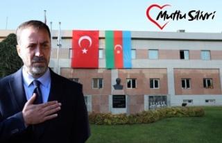Başkan Yılmaz'dan Türkiye ve Azerbaycan Bayrağı...
