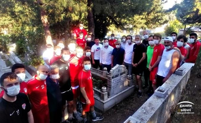 Silivrispor, Müjdat Gürsu'yu Mezarı Başında Andı...