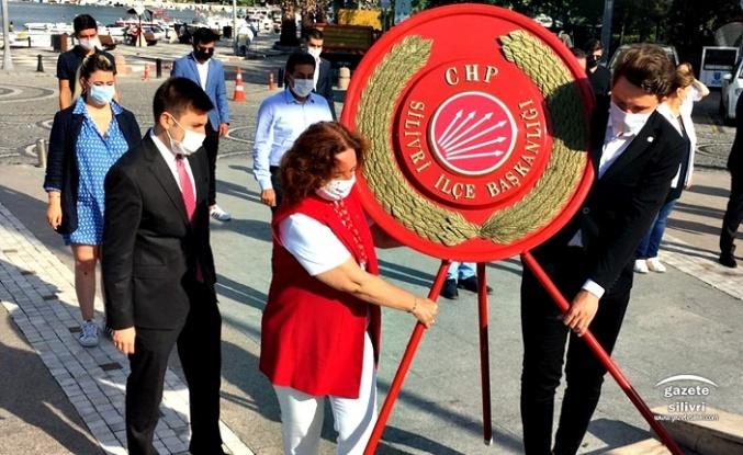CHP Silivri 97. Yaşında Atatürk Anıtına Çelenk Sundu